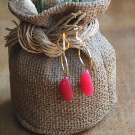 Pendientes lágima fresa y pieza redonda en latón con baño de oro