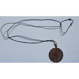 Cordón negro ajustable con medallón Ave María con baño de oro rosa y perla