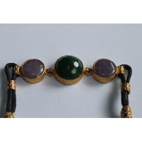 Pulsera de cuero y tres piedras naturales verde y lila 18 cm